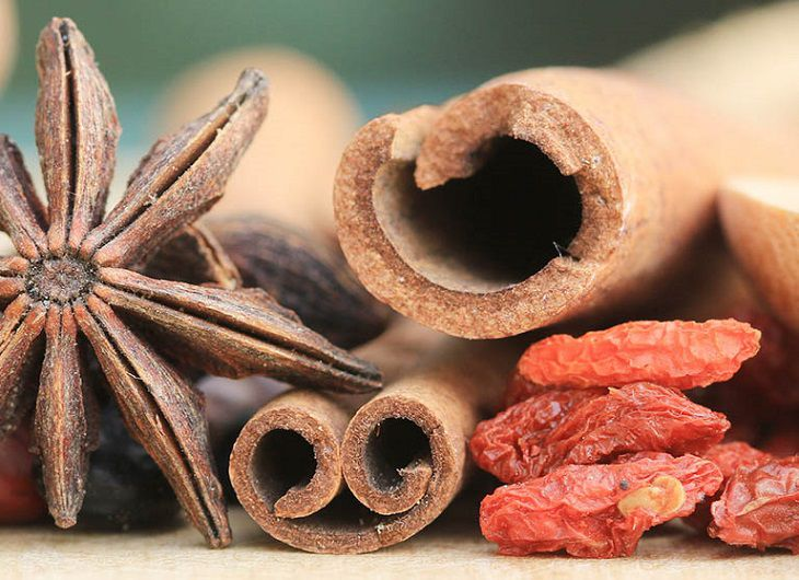 Một vài vị thảo dược dùng trong trị bệnh ngoài da