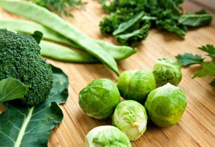 Các loại rau có màu xanh đậm đặc biệt nên tăng cường bổ sung trong chế độ ăn hàng ngày