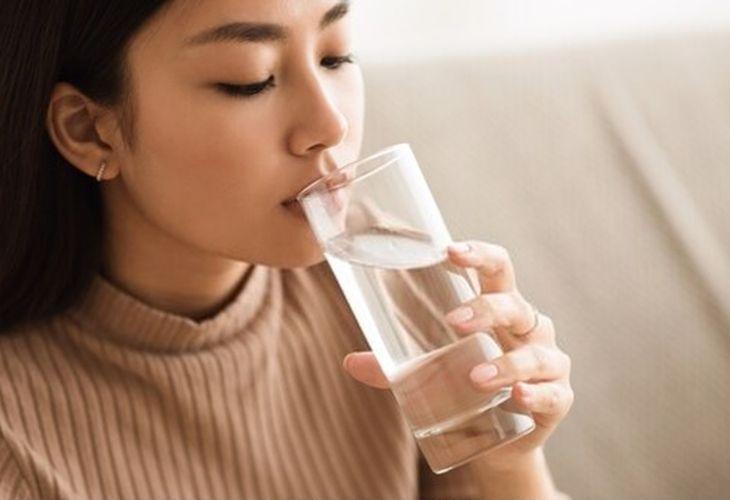 Uống nước để đảm bảo cơ thể luôn trong trạng thái tốt nhất