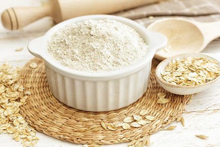 Bạn có thể sử dụng bột yến mạch để cải thiện triệu chứng mề đay