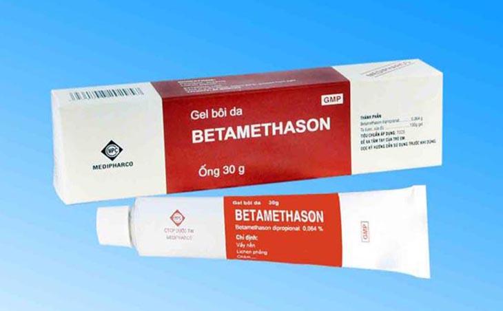 Thuốc bôi viêm da cơ địa chứa corticoid giúp ngăn chặn phản ứng viêm