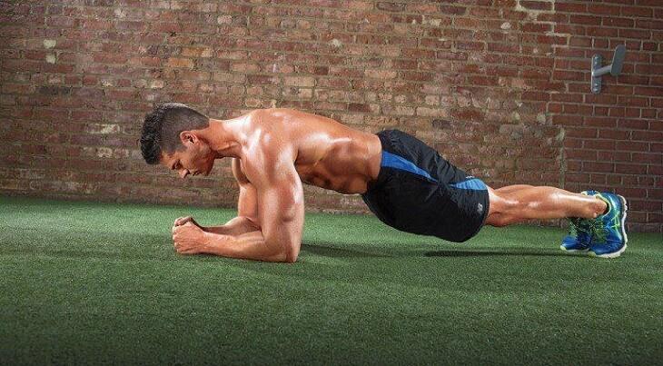 Các bài tập luyện thể dục góp phần quan trọng trong việc cải thiện thể hình và nâng cao sức khỏe sinh dục nam