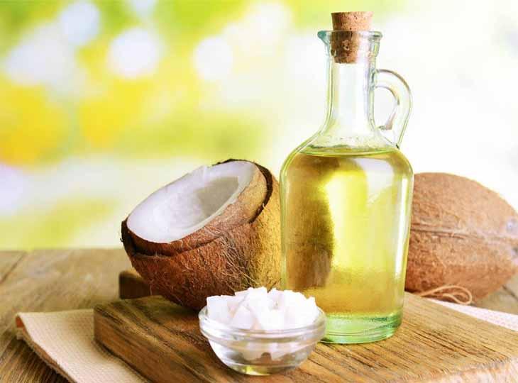Sử dụng dầu dừa mỗi ngày cho vùng da bị chàm