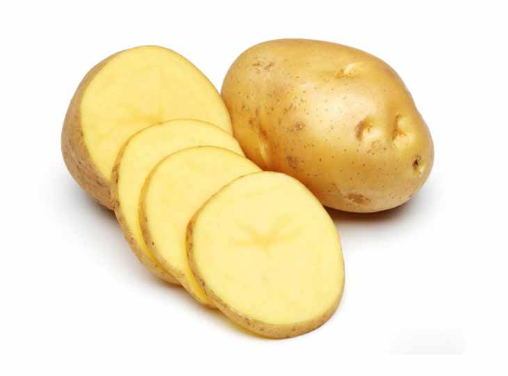 Đắp trực tiếp khoai tây lên vùng da bị chàm là cách chữa chàm đơn giản nhất