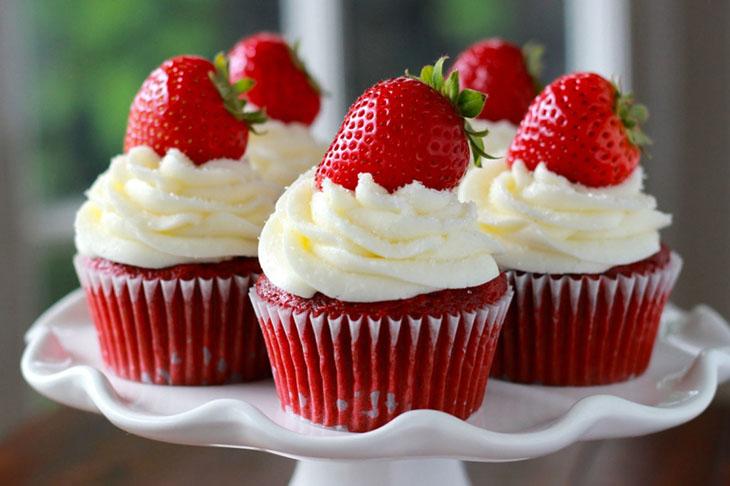 Đồ ngọt không tốt cho bệnh nhân bị chàm bội nhiễm