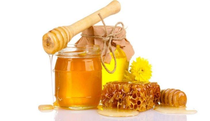 Mật ong cải thiện chàm môi hiệu quả
