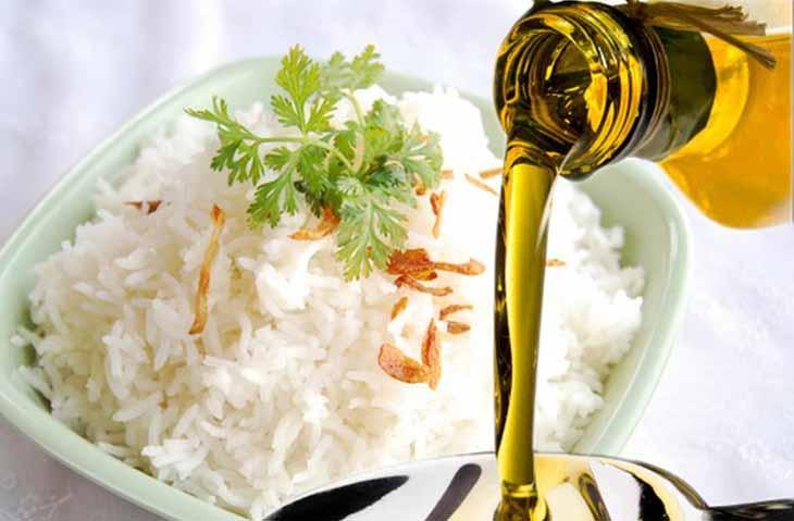 Dầu Dừa có thể thay thé cho dầu ăn và rất tốt cho sức khỏe