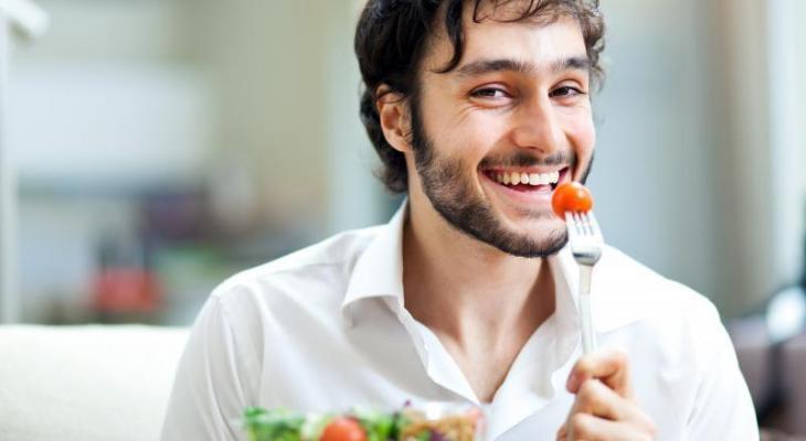 Nam giới nên bổ sung cà chua mỗi ngày để kéo dài thời gian cương cứng lâu