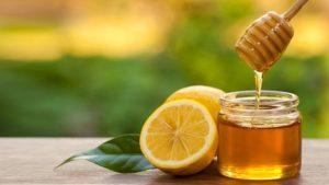 Bạn có thể kết hợp mật ong với sữa để chữa xuất tinh sớm