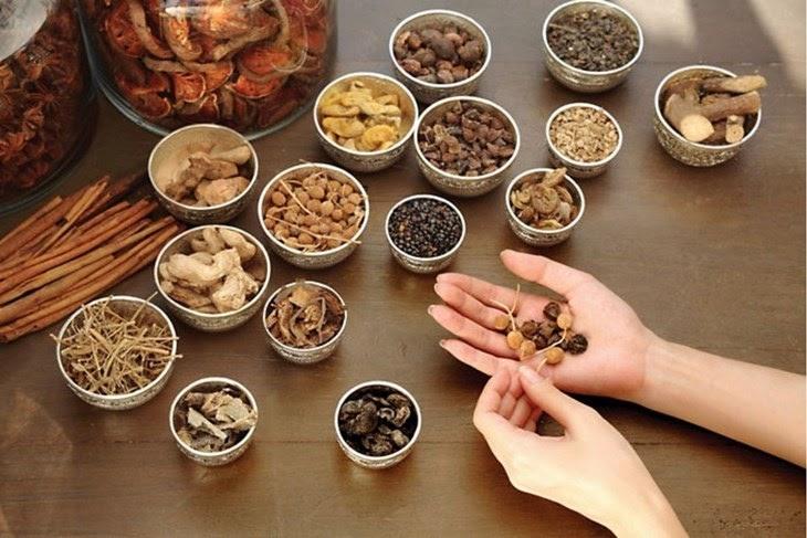 Bài thuốc Đông y thể thấp nhiệt uất kết sẽ giúp phái mạnh cải thiện sức khỏe sinh lý từ bên trong