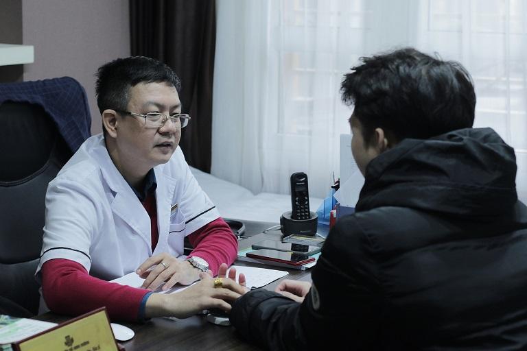 """Đội ngũ bác sĩ chuyên môn cao, giúp tư vấn điều trị hiệu quả chứng """"trên bảo dưới không nghe"""""""