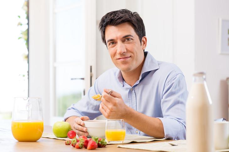 Nam giới nên xây dựng thói quen ăn uống khoa học để phòng ngừa bệnh tật