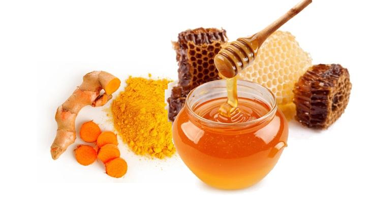 Kết hợp nghệ và mật ong đắp mặt nạ giúp trị mụn và làm sáng da