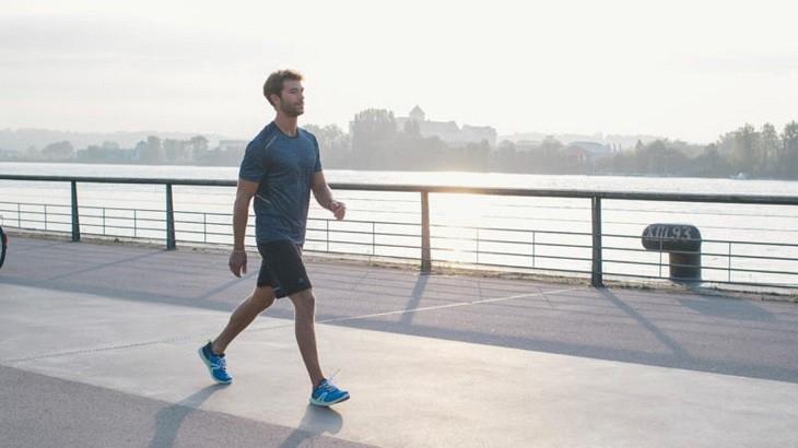 Đi bộ là một thói quen tốt cho sức khỏe cũng như giúp ngăn ngừa tình trạng xuất tinh sớm