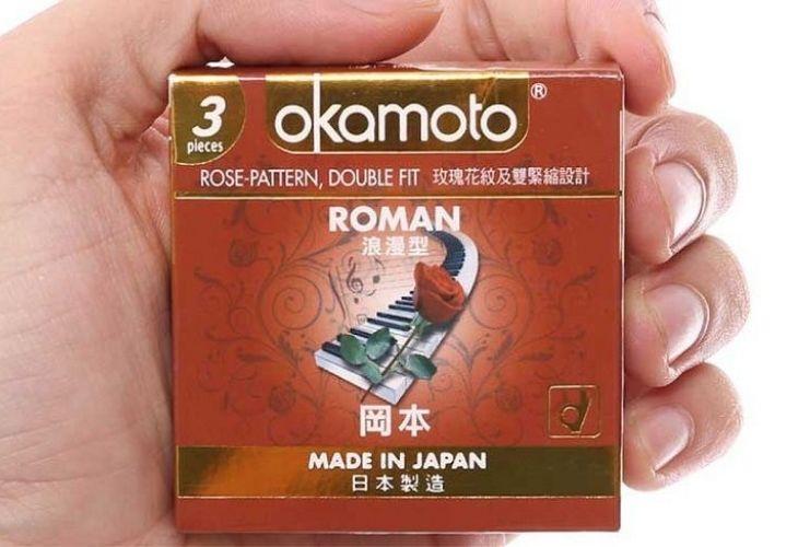 Okamoto Roman có thiết kế hình bông hoa trên thân bao