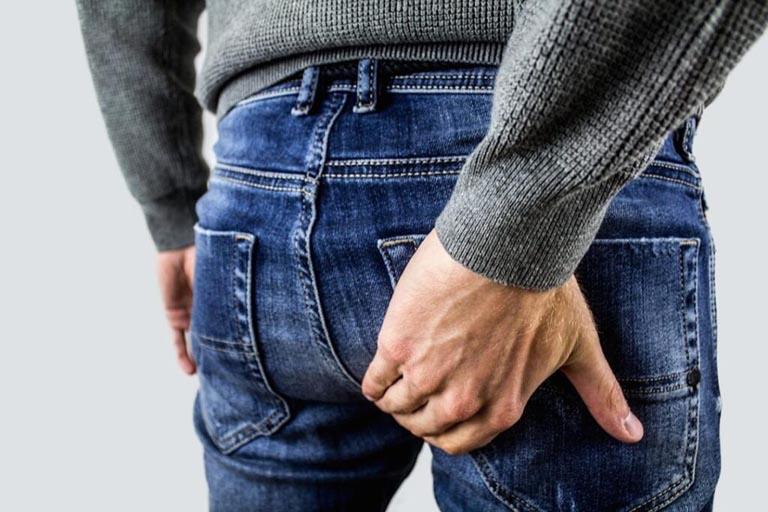 Bệnh trĩ khiến người bệnh cảm thấy rất khó chịu và gây ra nhiều phiền toái trong đời sống