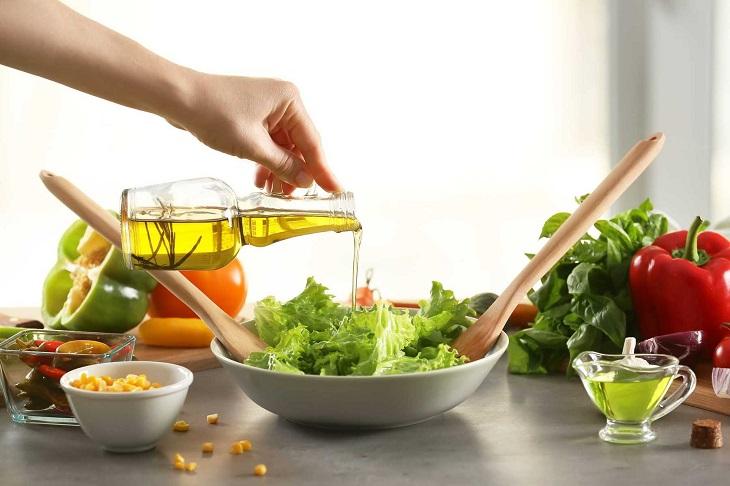 Chữa bệnh chàm bằng dầu oliu cần thực hiện theo đúng chỉ định của bác sĩ, thầy thuốc