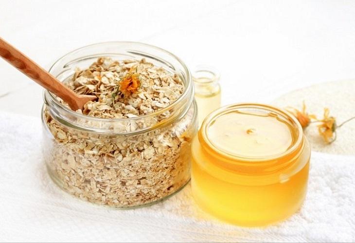 Công thức từ dầu dừa và bột yến mạch giúp giảm ngứa và làm dịu da cho trẻ