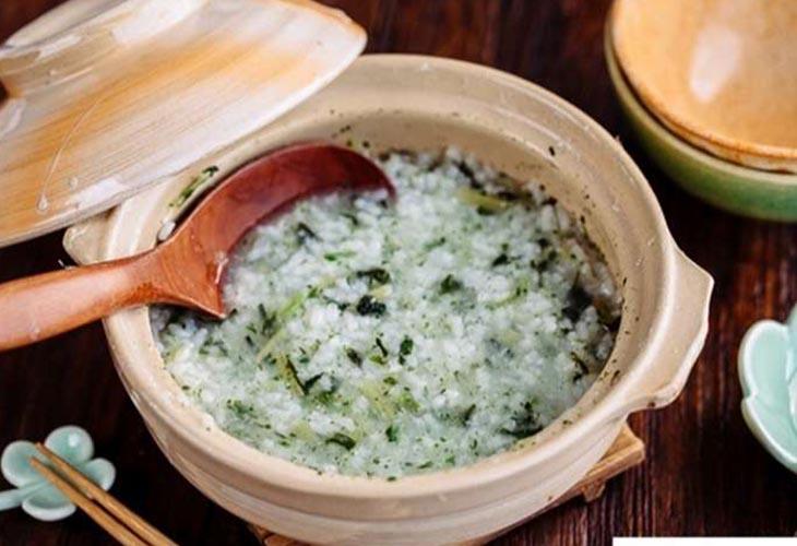 Lá hẹ nấu cháo là món ăn thơm ngon, bổ dưỡng
