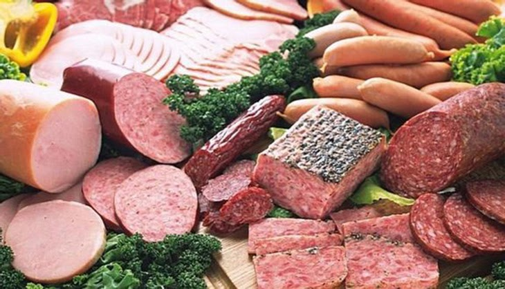 Người đau dạ dày không ăn cháo với xúc xích, chả lụa, thịt xông khói