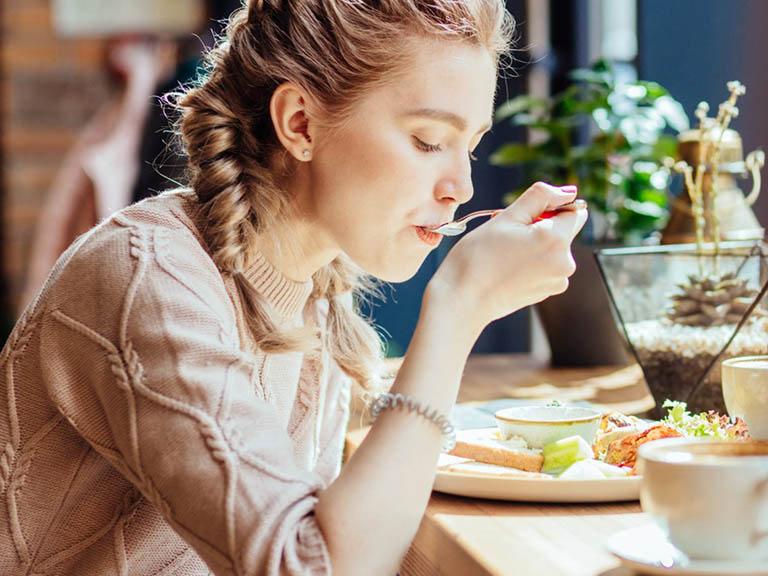 Bổ sung các món ăn tốt cho sinh lý nữ