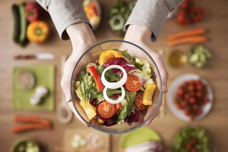 Hình thành thói quen ăn uống khoa học để phòng ngừa các biến chứng của bệnh viêm đại tràng