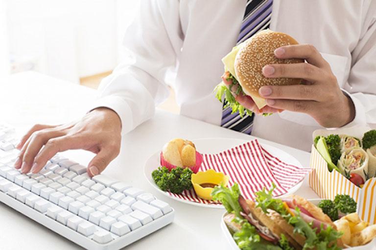 Loại bỏ các thói quen ăn uống gây ảnh hưởng không tốt đến hoạt động của hệ tiêu hóa
