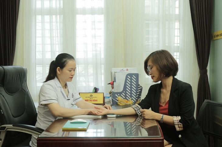 Chị Nhàn đến thăm khám tại nhà thuốc Đỗ Minh Đường