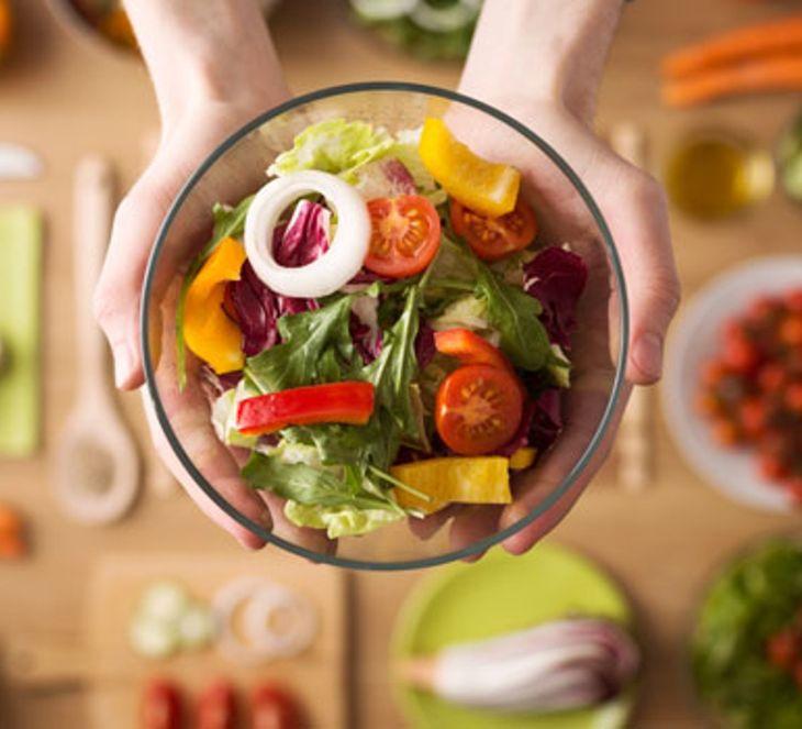 Chế độ ăn kiêng cho người đau dạ dày nên giảm tối đa chất béo