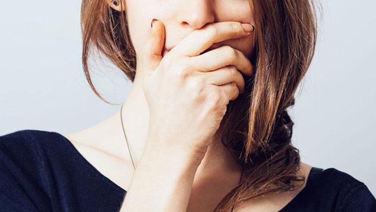 Hôi miệng là triệu chứng thường gặp ở những bệnh nhân bị trào ngược dạ dày kéo dài