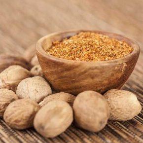 Trị eczema bằng hạt nhục đậu có tốt không là điều được rất nhiều người quan tâm