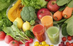 Người bị viêm amidan nên ăn nhiều rau xanh, hoa quả