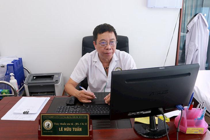 Bác sĩ Lê Hữu Tuấn đánh giá cao bài thuốc Cốt Vương thần hiệu thang