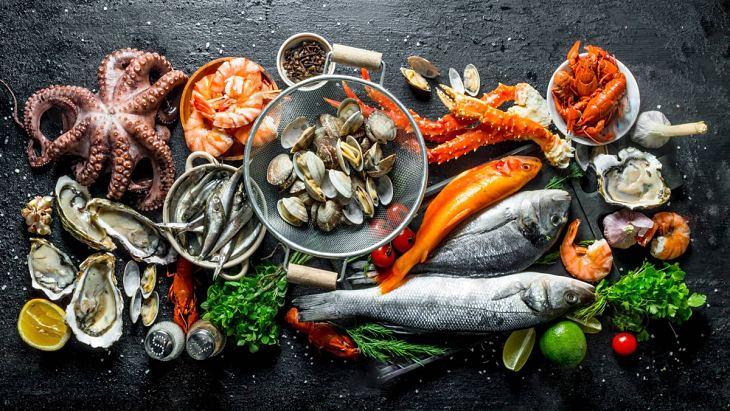 Phái mạnh nên ăn nhiều hải sản, rau xanh để tăng cường sức khỏe