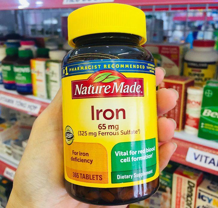 Viên uống bổ sung sắt Nature Made Iron 65mg đến từ Mỹ được người tiêu dùng đánh giá cao