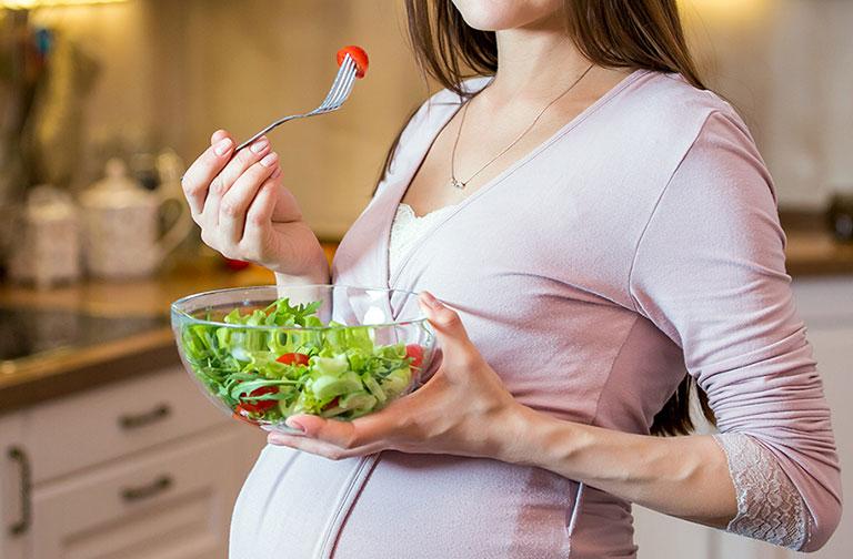 mẹ bầu bị trĩ nên ăn gì