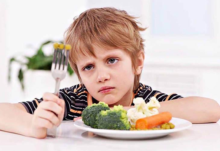 Bệnh á sừng ở trẻ em có thể xảy ra khi bé bị suy dinh dưỡng kéo dài