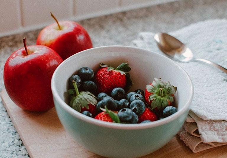 chế độ ăn uống cho người bệnh trĩ