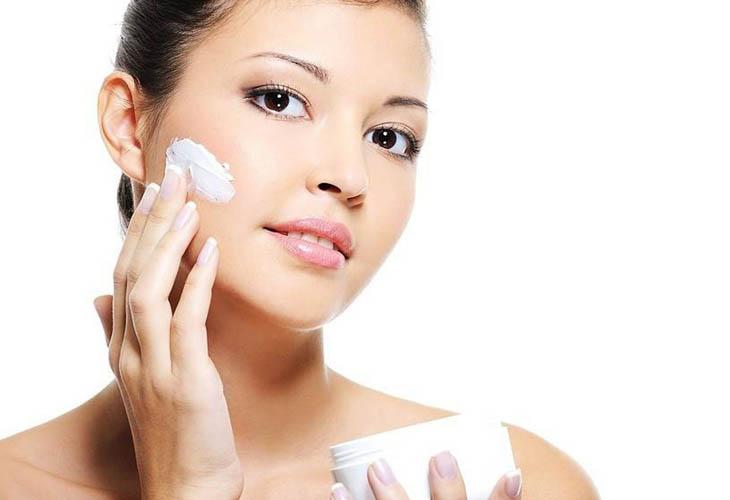 Dùng kem trị nám mảng vừa giúp mờ đốm nâu vừa dưỡng da hiệu quả