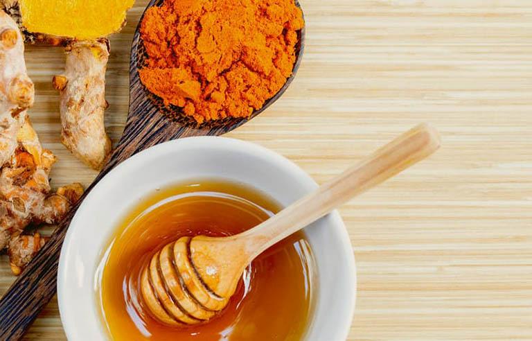 Bộ đôi mật ong và nghệ là thần dược trong việc cải thiện các vấn đề về dạ dày
