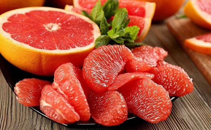 Bưởi là loại quả rất giàu vitamin C