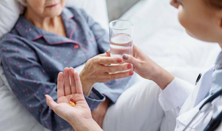 Chữa xuất huyết dạ dày tại nhà bằng bột nghệ có độ an toàn cao