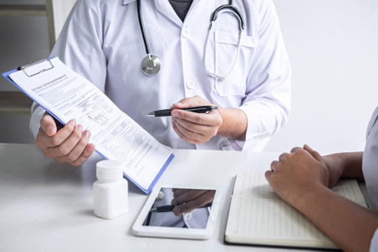 Thăm khám chuyên khoa ngay khi thấy cơ thể có các triệu chứng bất thường