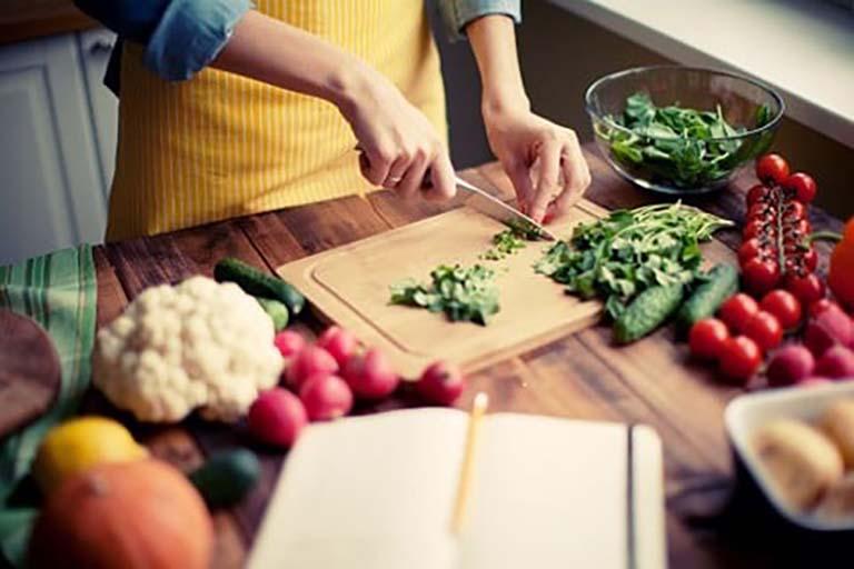 Ăn uống khoa học khi bị trào ngược dạ dày giúp quá trình điều trị bệnh nhanh chóng mang lại hiệu quả