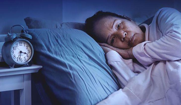 Nội tiết bị rối loạn là nguyên nhân chính gây ra tình trạng mất ngủ ở tuổi mãn kinh