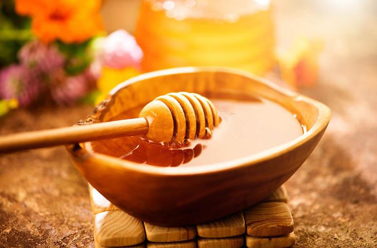Uống mật ong chuyên chất chữa trào ngược dạ dày có cách thực hiện đơn giản và mang lại hiệu quả tốt