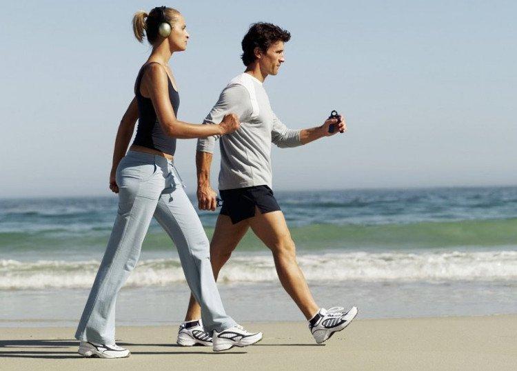 Người mắc bệnh gout nên duy trì thói quen đi bộ hàng ngày