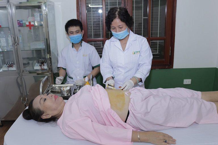 NS Thu Hà khi đang trị liệu