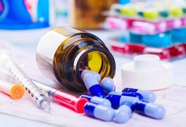 Sử dụng thuốc Tây chữa bệnh vảy nến da đầu là một trong những phương pháp được nhiều người lựa chọn