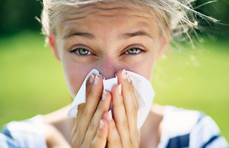 viêm mũi dị ứng thời tiết có chữa được không